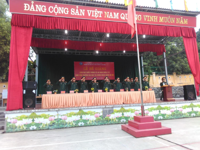 Lễ bế giảng GDQP&AN Khóa 212